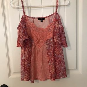 Tops - Beautiful off the shoulders top with thin straps